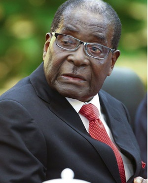 Army detains Mugabe staff without food, water … interrogates them for hours – reports